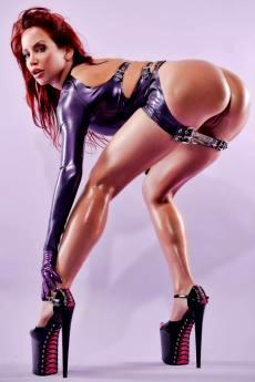 Сексуальная рыжая шлюшка Bianca