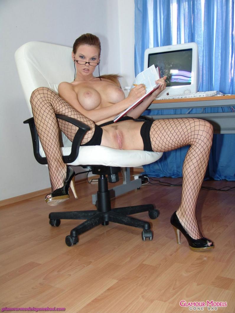 Секс в секретаршей в очках 14 фотография