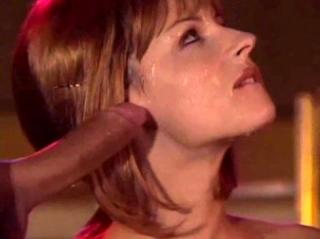Горячая штучка Michelle Wild в нарезке минетов со стрельбой спермы на лицо